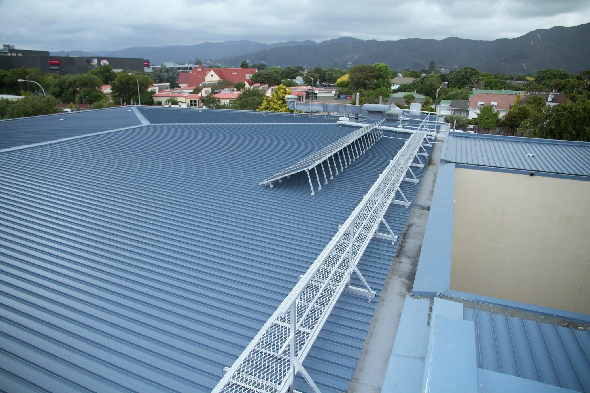 Aluminium Walkways   Superior Roof Protection: Lightweight & Strong