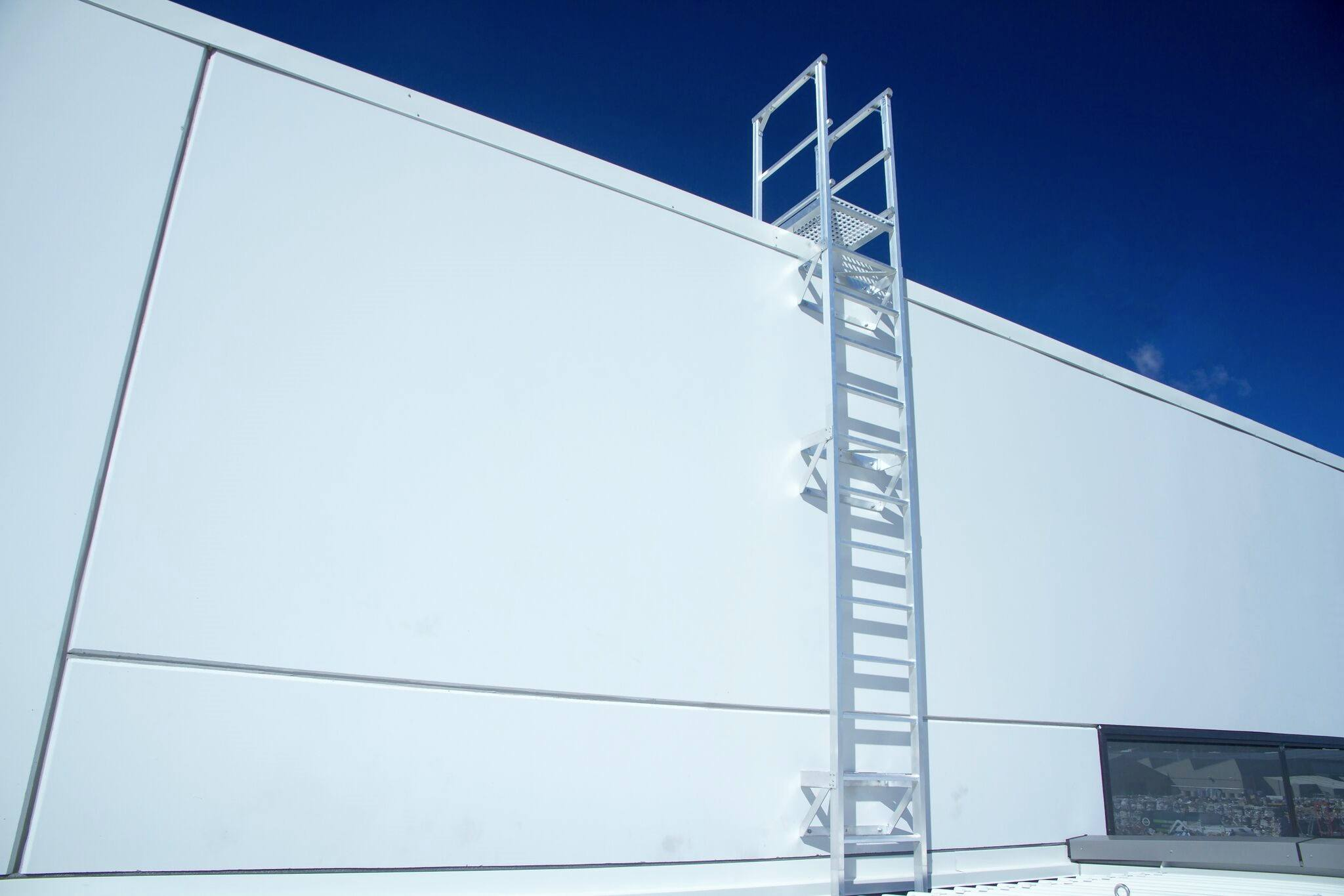 Monkeytoe Roof Access Ladders Amp Cages Design