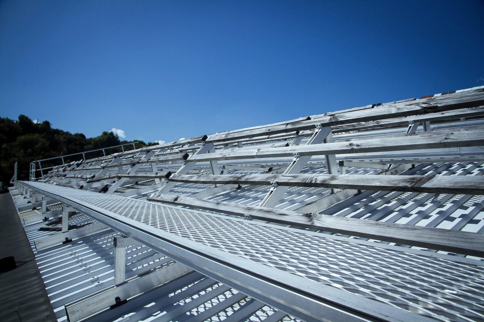 Aluminium Walkways   Superior Roof Protection: Lightweight